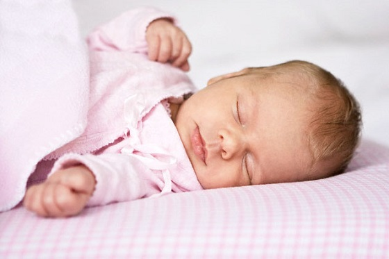 ребенок спит фото
