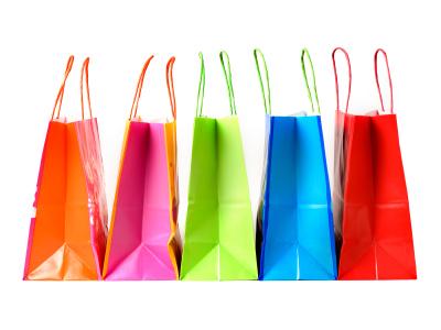 яркие сумки для покупок